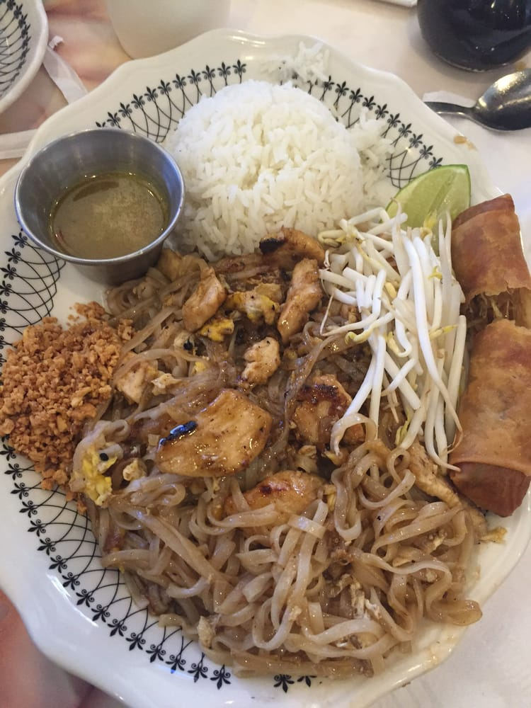 Sarocha's Thai Restaurant: 1506 W Wyatt Earp Blvd, Dodge City, KS