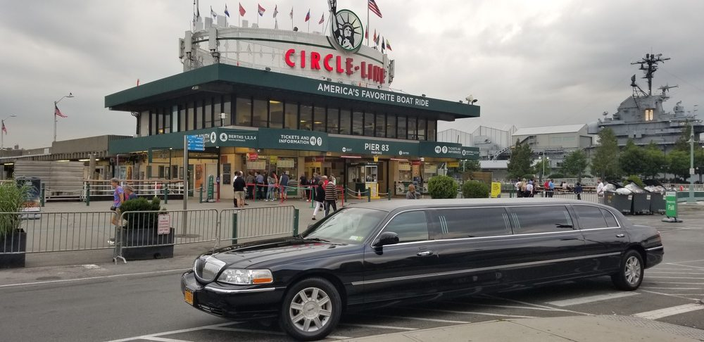 King And Queen Limo: 88 Pine St, New York, NY