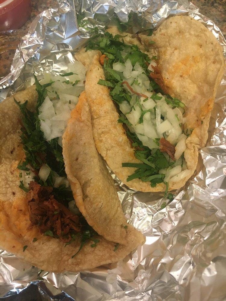 El Cabrito Mexican Restaurant: 809 Highway 16 W, Carthage, MS