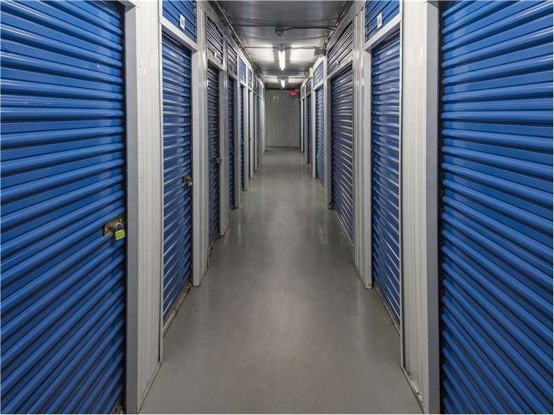 Extra Space Storage: 1430 Bedford St, Abington, MA