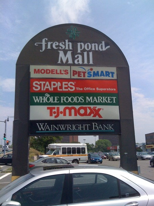 Fresh Pond Mall: Alewife Brook Pkwy, Cambridge, MA