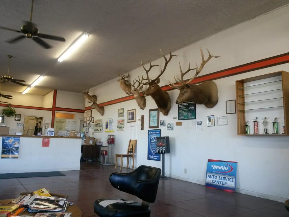 Wunsch's Garage: 315 S Tehama St, Willows, CA