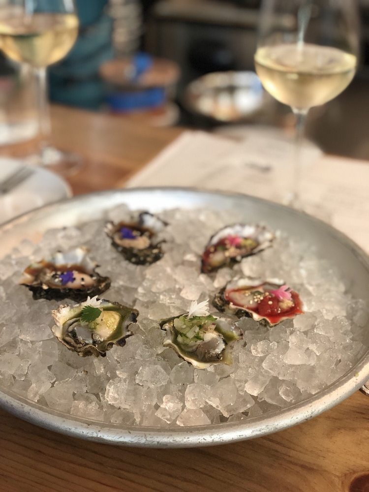 Olympia Oyster Bar: 4214 N Mississippi Ave, Portland, OR