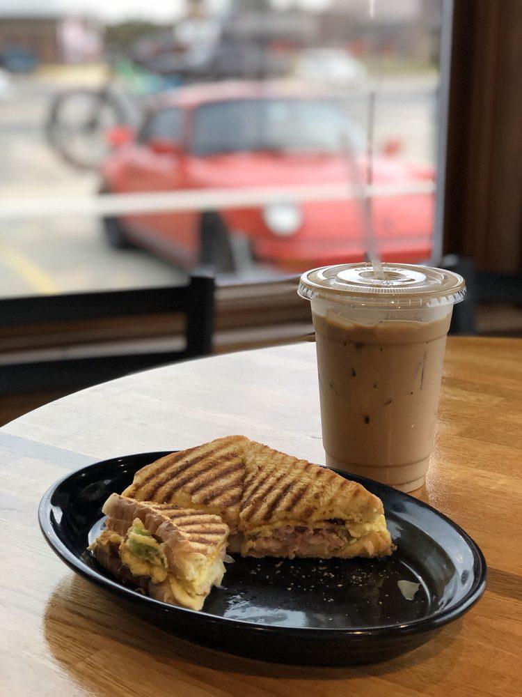 Coffee Cup: 401 N Broadway St, Poteau, OK
