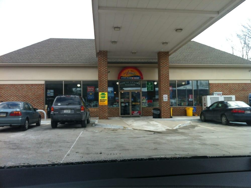 Tom's 27 Shipley Stores: 4910 Fairfield Rd, Fairfield, PA