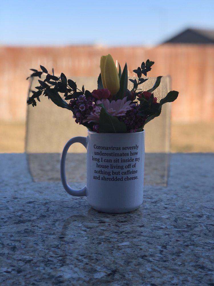 Lucky Flowers: 6827 W Clearwater Ave, Kennewick, WA