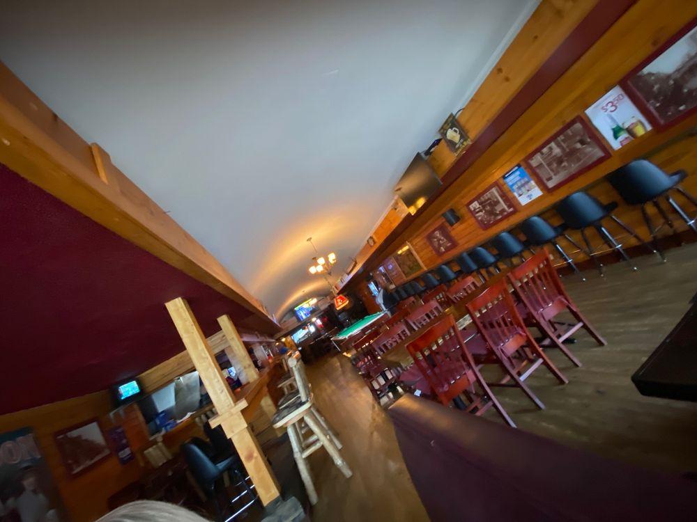 Roaring 20's Saloon: 210 S Mitchell St, Cadillac, MI