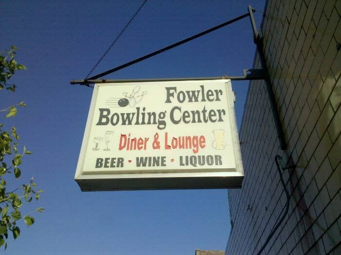 Fowler Bowling Center: 305 E 5th St, Fowler, IN