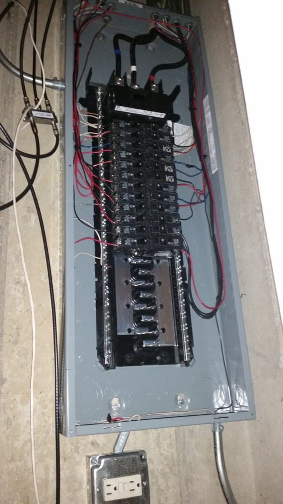 New 200 amps electric circuit breaker panel upgrade from 100 to 200 ...