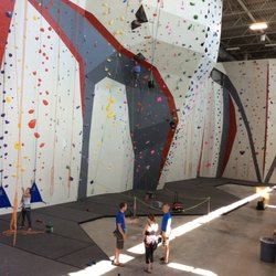 Lovely Chicago Rock Climbing Gym