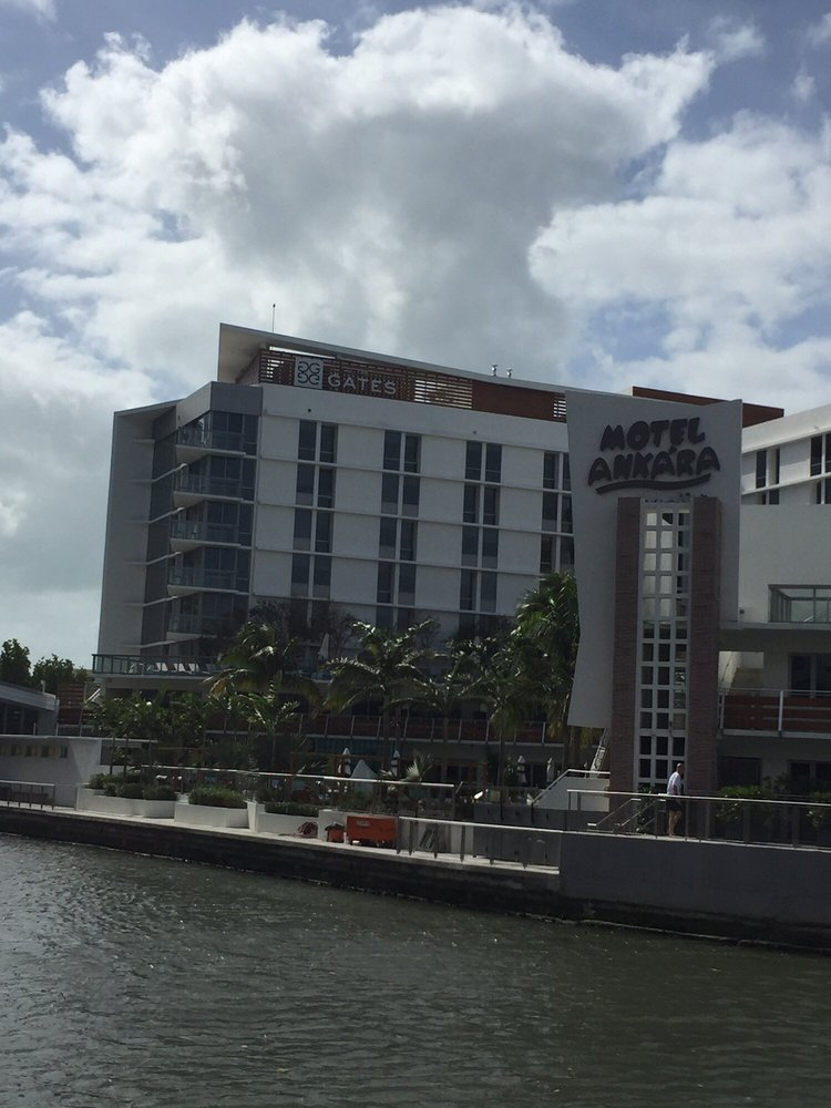 Photo Of The Gates Hotel South Beach A Doubletree By Hilton Miami