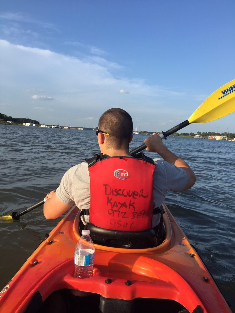 Discover Kayak: 2100 Lakeview Dr, Grapevine, TX