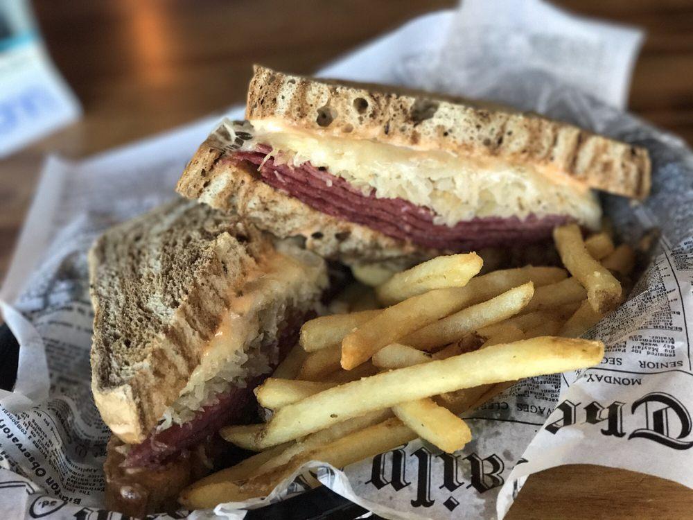 Uptown Lanes/Back Alley Bar & Grill: 106 W 2nd St, Byron, IL