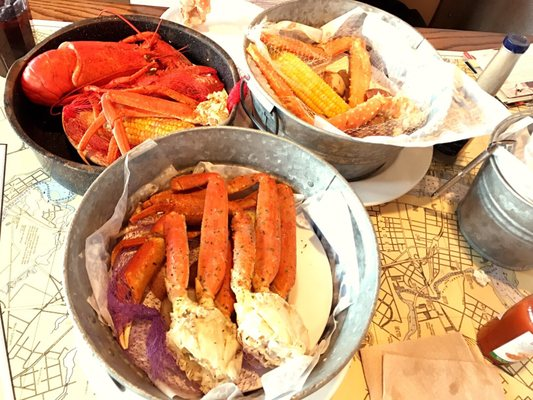 de Big hook up platter bij joes Crab Shack