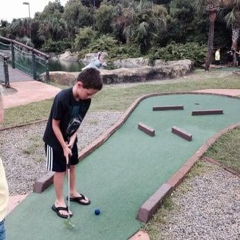 Jungle Mini Golf Oak Island