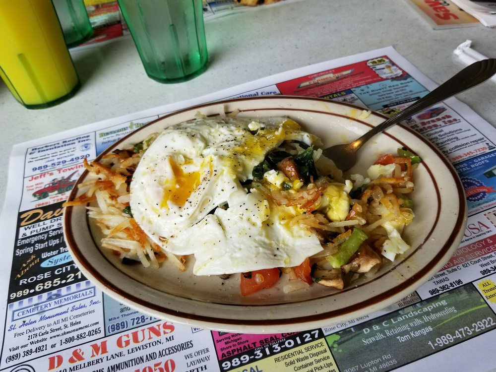 Sunrise Cafe and Cabins: 3070 Lupton Rd, Lupton, MI