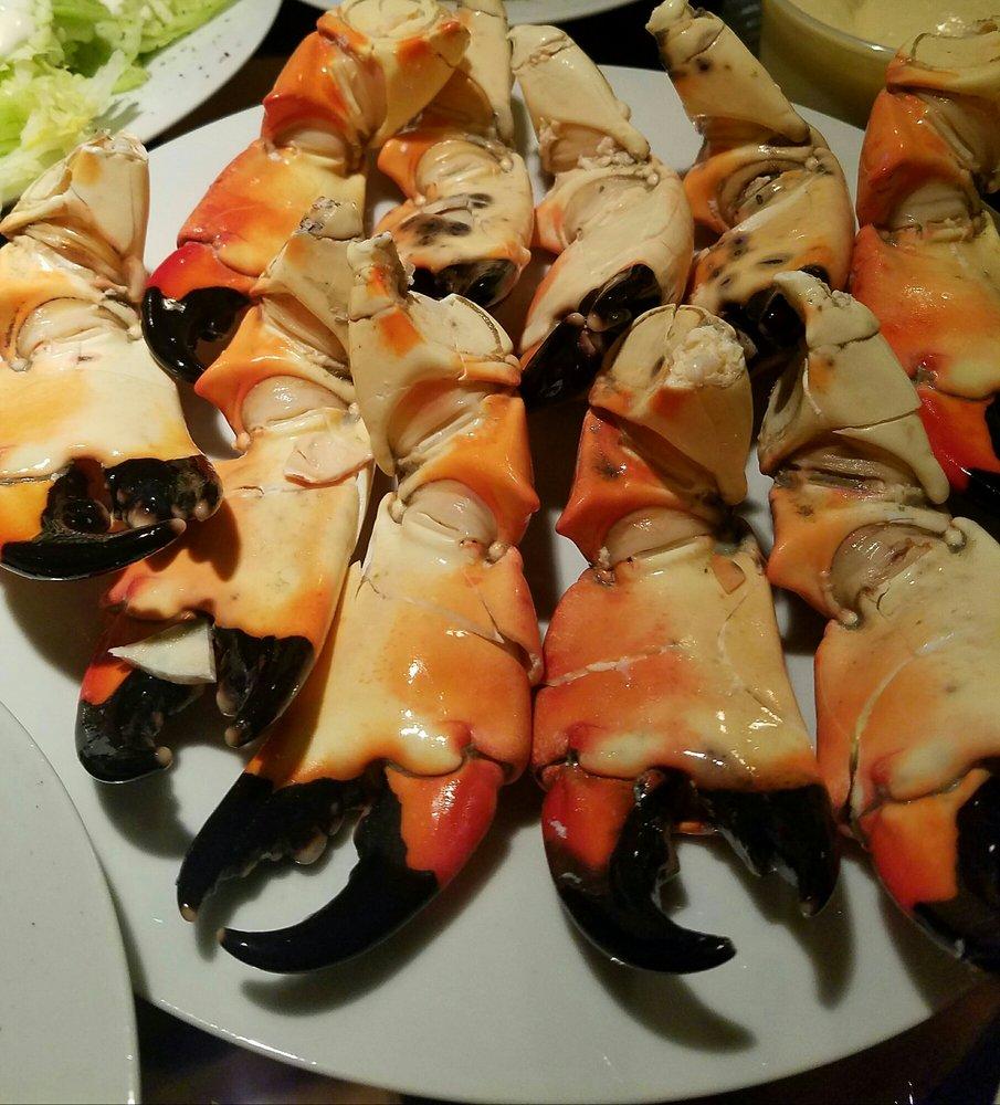 Capt frank s seafood market 40 reviews seafood markets for Franks fish market