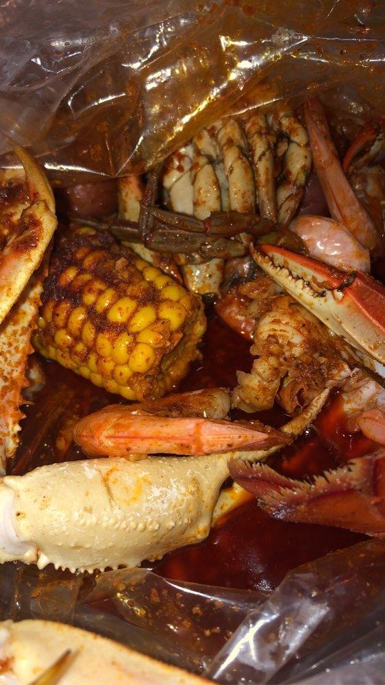 Mr. & Mrs. Crab: 3246 SW 35th Blvd, Gainesville, FL