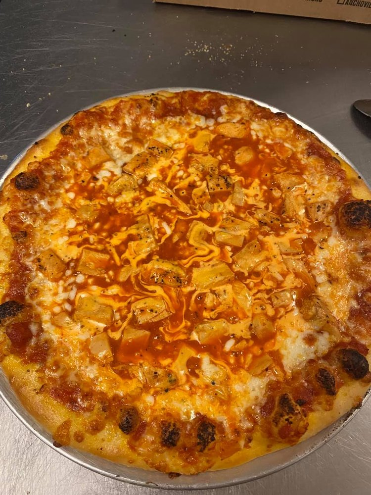 Uncle Grumpy's Pizzeria: 609 West Ave, Crossville, TN