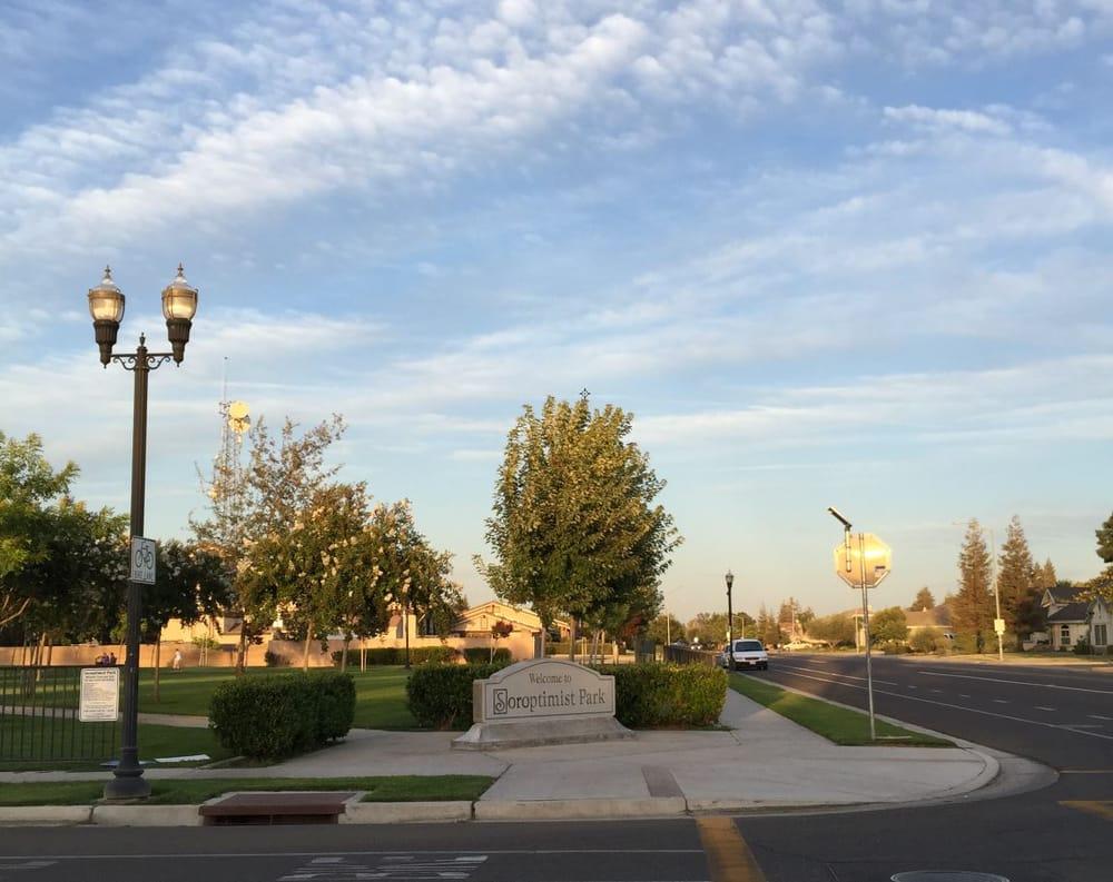 Soroptimist Park: 484 South Siskiyou Ave, Kerman, CA