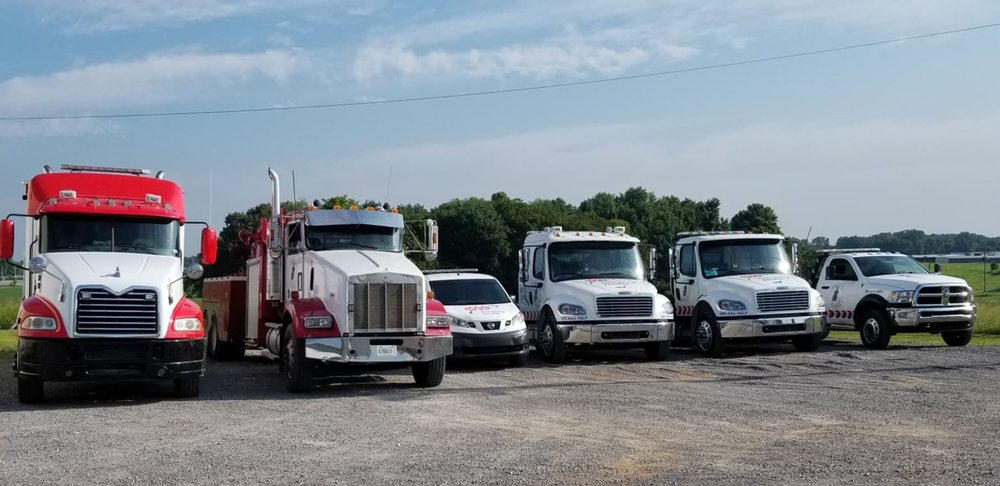 Towing business in Fort Campbell North, KY