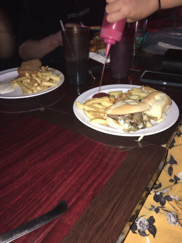 Speedboat Bar & Grill