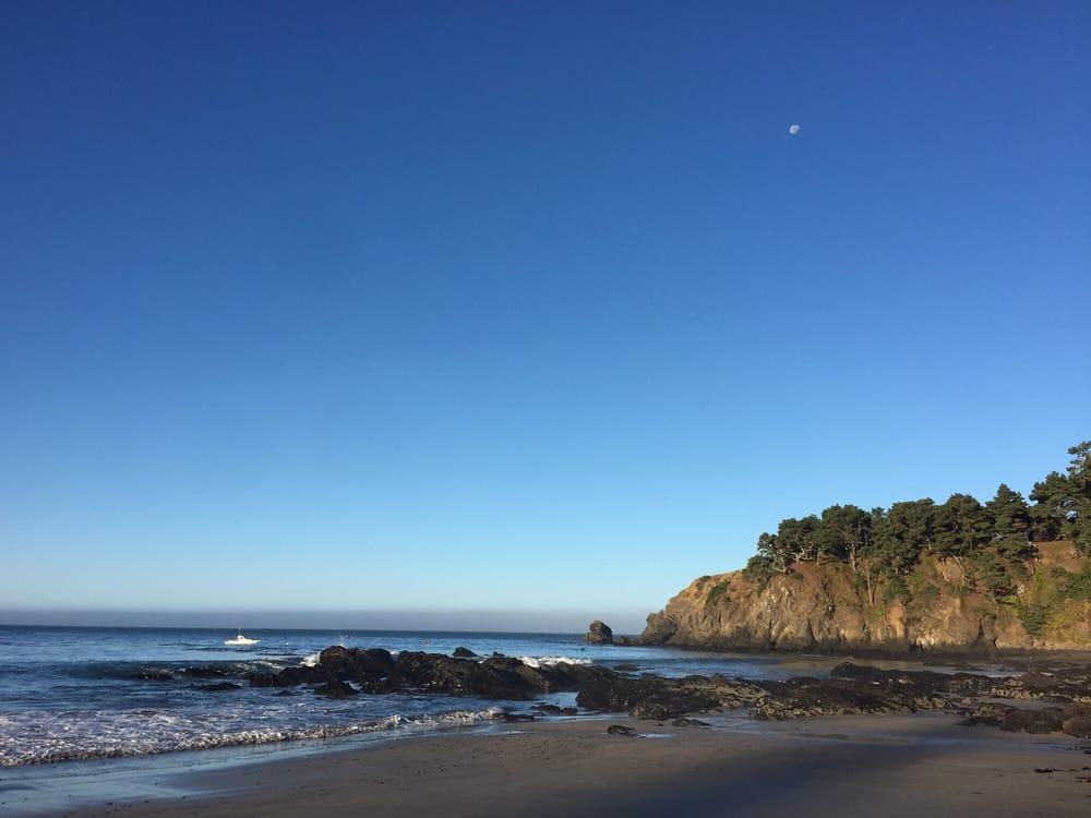 Fish Rock Beach at Anchor Bay: 35400 California 1, Gualala, CA