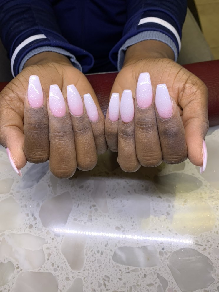 Deluxe Spa & Nails: 1030 Spillway Cir, Brandon, MS