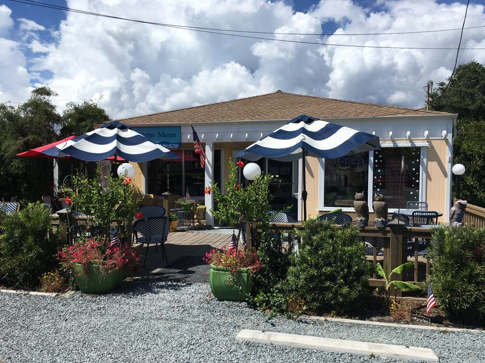 Quarter Moon Books & Gifts: 708 S Anderson Blvd, Topsail Beach, NC