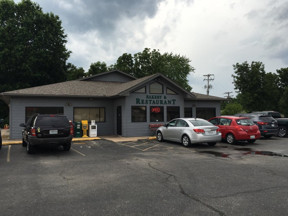 Alice Irene's Restaurant & Bakery: 310 S Hwy 60, Marionville, MO