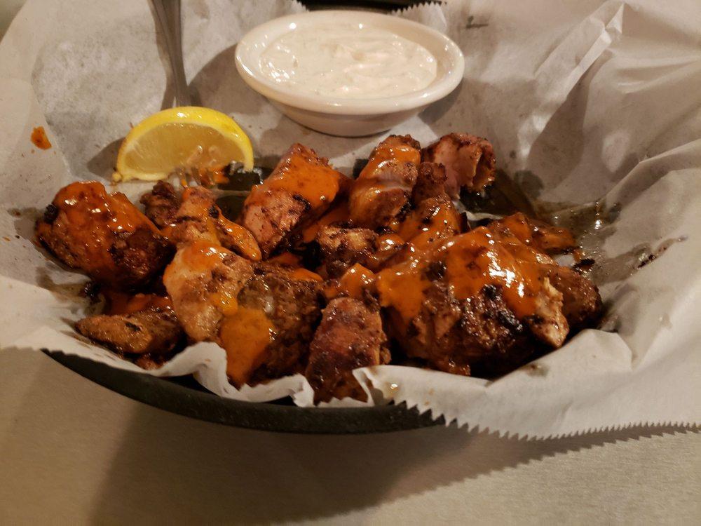 Don's Seafood Restaurant: 4113 Main St, Chincoteague, VA