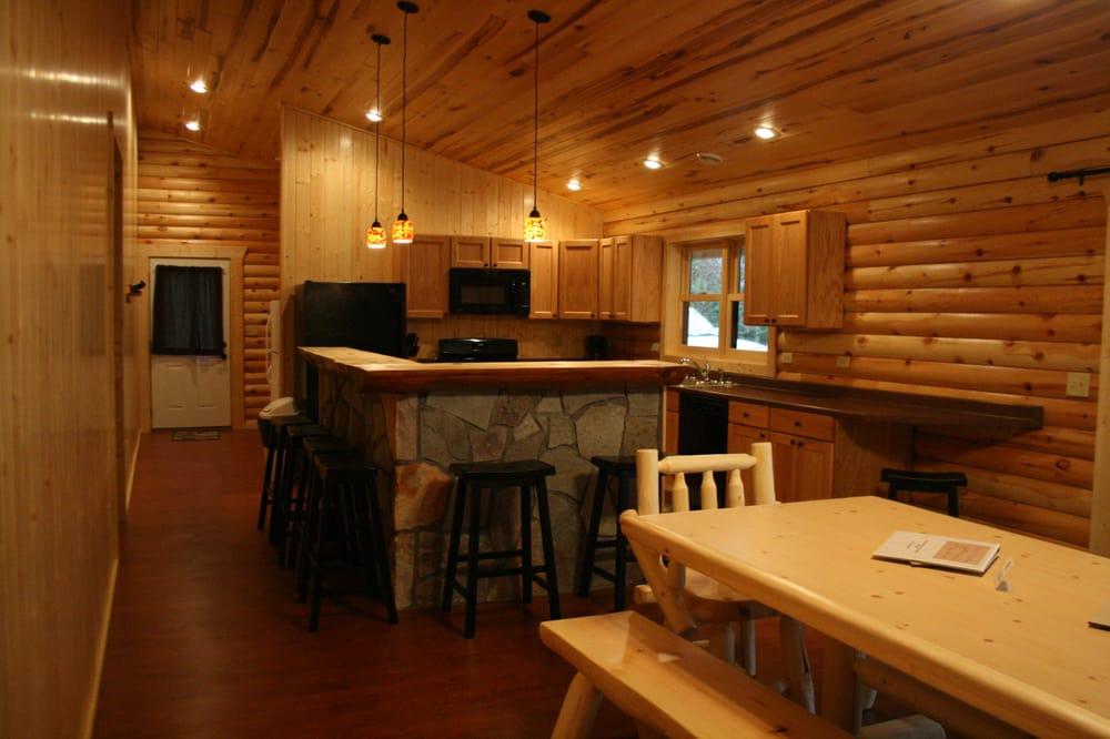 Eagle Nest Lodge: 58671 Eagle Nest Rd, Deer River, MN