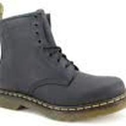 Dr. Martens - Magasins de chaussures - 12 rue Pierre Lescot ... 2ea34752f752