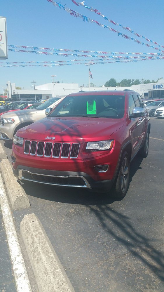 Certified preowned lot jeep limited 4x4 yelp for Suburban chrysler garden city mi