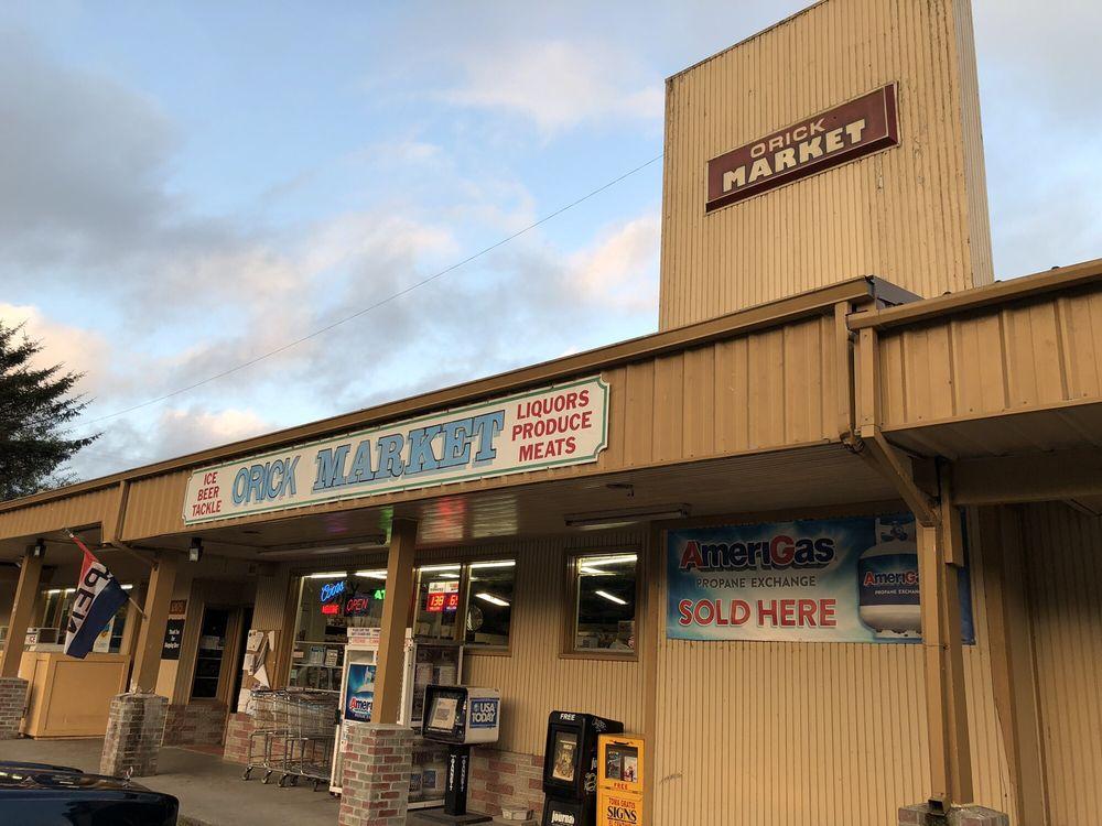 Orick Market: 121175 Hwy 101, Orick, CA
