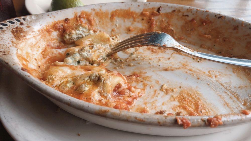 Sal's Pizza Cafe Italian Restaurant: 214 US Hwy 79 N, Henderson, TX