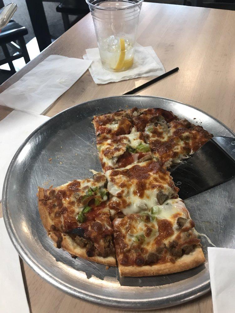 Birdies Bar & Grill: 2727 Canterbury Blvd, Fort Wayne, IN