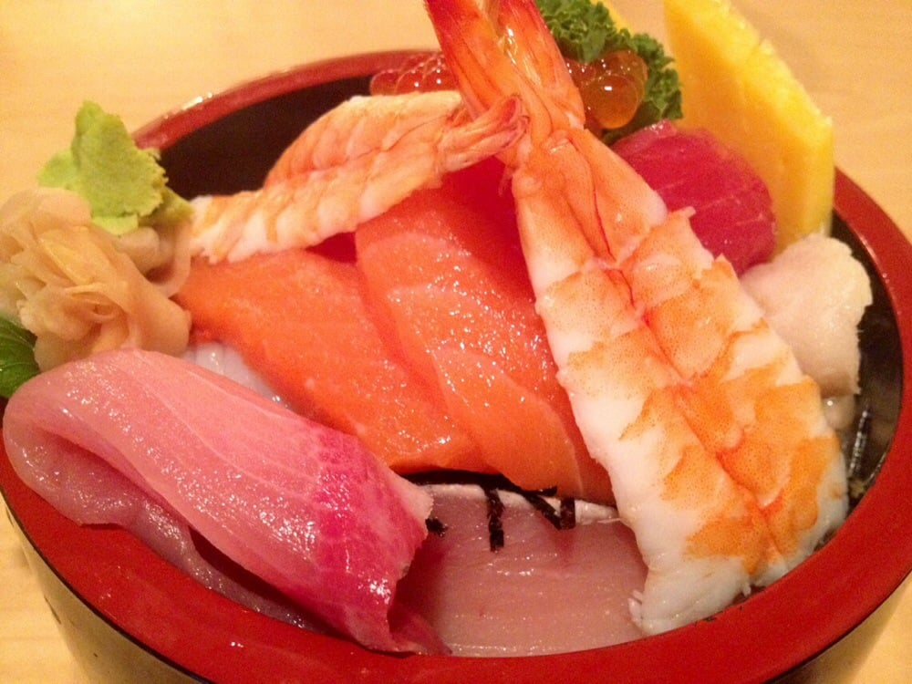 Chirashi material was big and thick it is so reasonable for Asaka japanese cuisine
