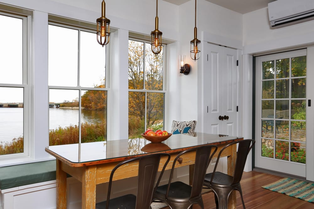 Apex Luxury Rentals: 317 Foreside Rd, Falmouth, ME
