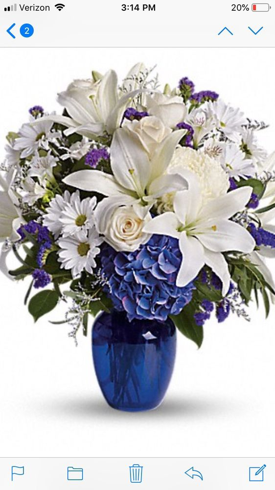 Creative Flowers: 124 N Willis St, Visalia, CA