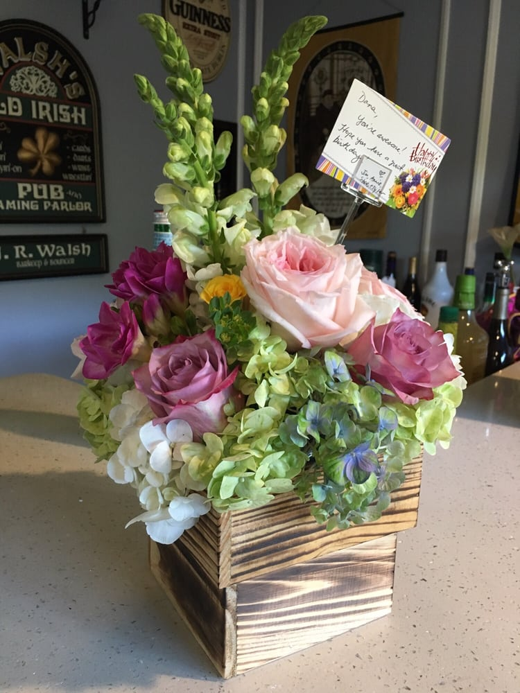 Pave English garden bouquet in a real wooden box! Looks and smells ...