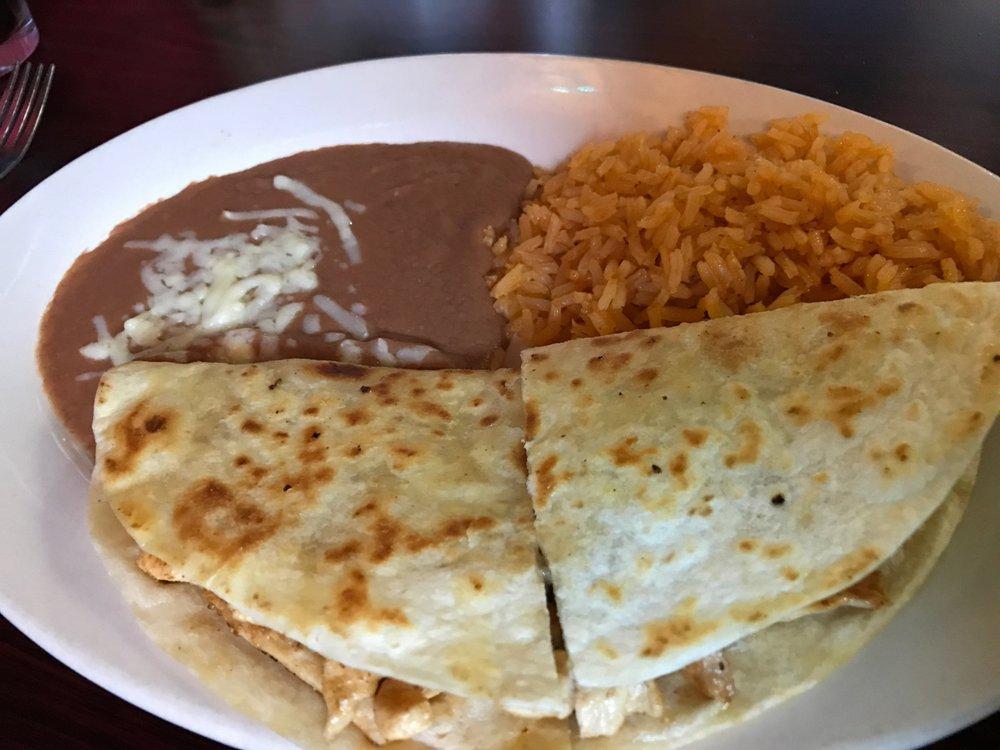 Acapulco' Grill: 67 Dixon Springs Hwy, Carthage, TN