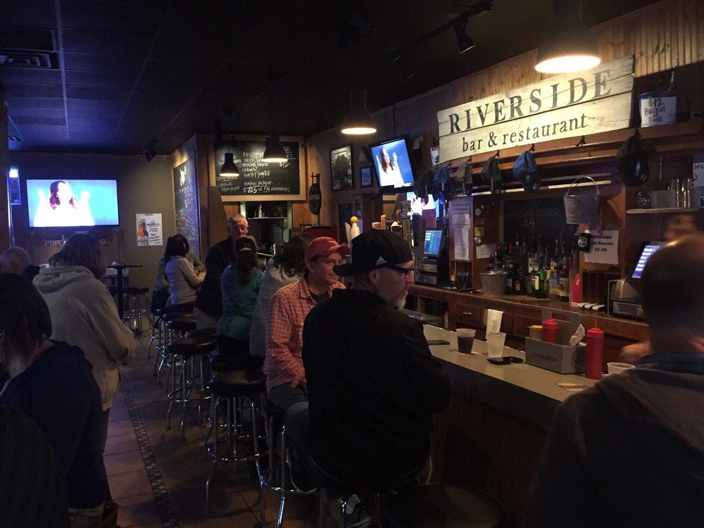 Riverside Bar & Restaurant: 126 Lewis Ave S, Watertown, MN