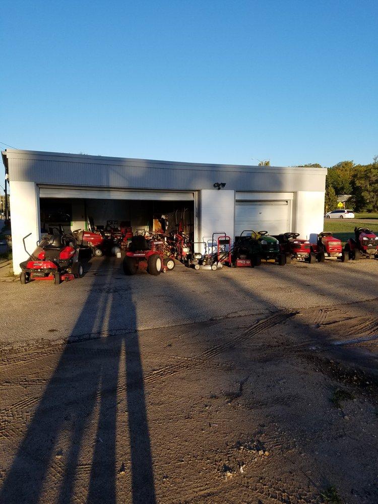 Hard Knocks Small Engine Repair: 1701 Fair Ln, Manhattan, KS