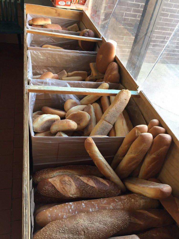 Benanti's Italian Delicatessen: 16 W 22nd St, Bayonne, NJ