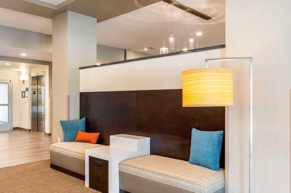 Sleep Inn & Suites: 2401 Holliday Lane, South Jacksonville, IL