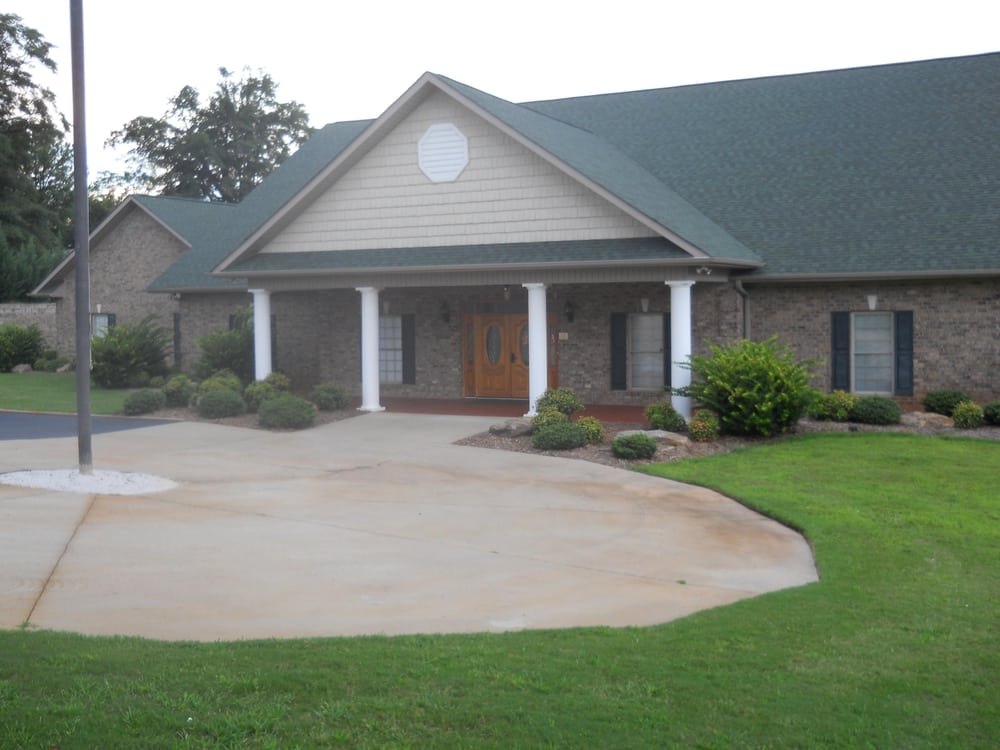 Living Waters Funeral Home & Crematory: 529 Spartanburg Rd, Lyman, SC