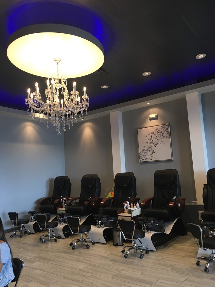 La Bella Nail And Spa