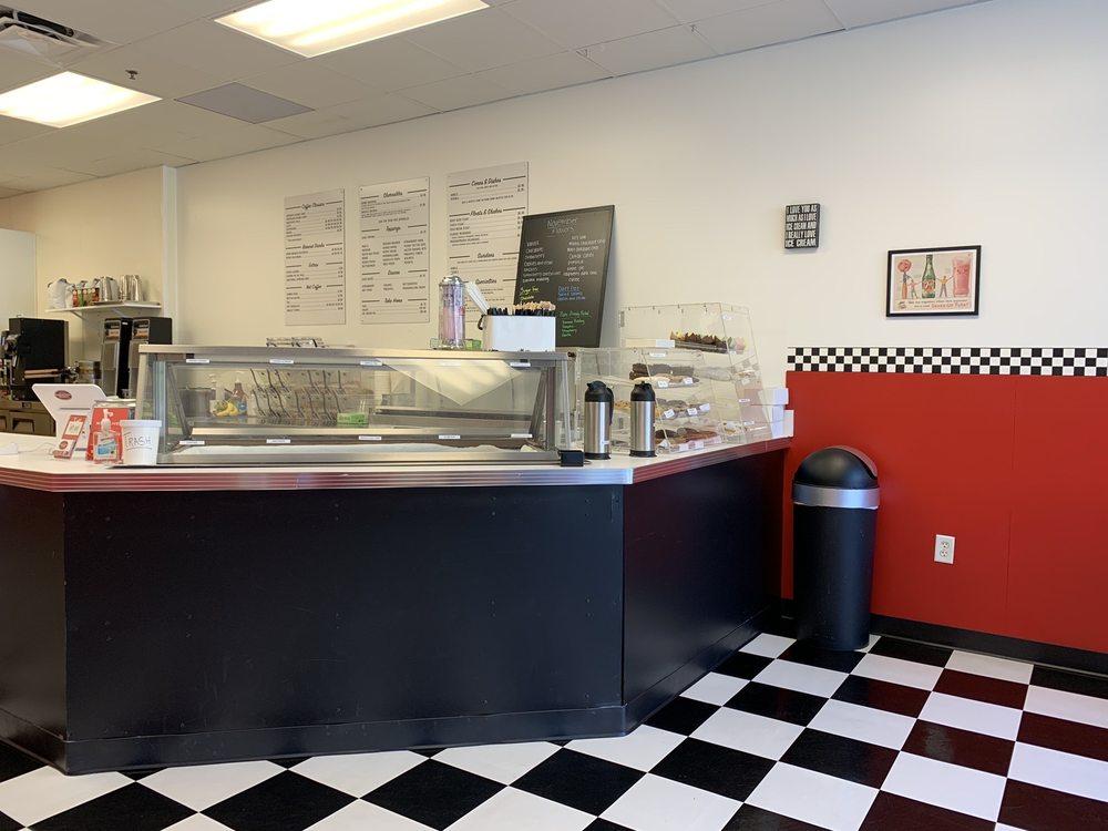 Martin's Dreamery Creamery & Coffee House: 1945 W CR419, Oviedo, FL