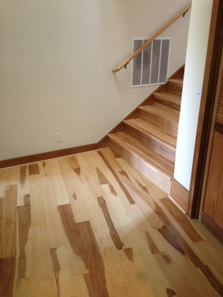 Hickory Hardwood Floor Entry And Stairs T Amp T Floors
